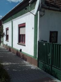 Eladó Komárom Családi ház